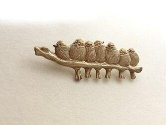エナガ団子の真鍮ブローチの画像