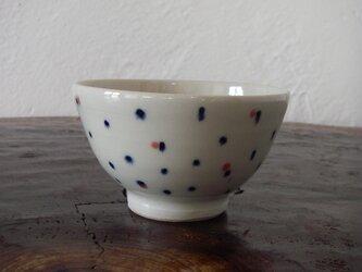 お茶碗 赤色のドットの画像