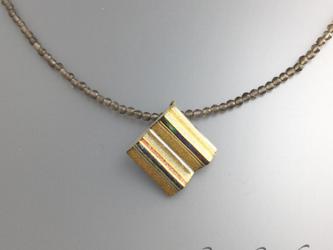 【茶水晶】金銀蒔絵と螺鈿・金箔のペンダントの画像