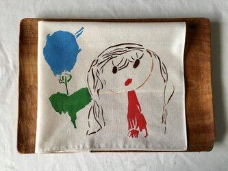型染 子どもハンカチ「女の子と青い花」の画像