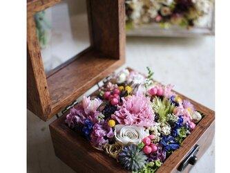 フラワーボックス ブラウンの木箱の画像