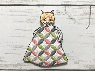 猫刺繍ブローチ*茶トラの画像