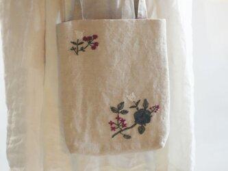 リネン刺繡手提げの画像