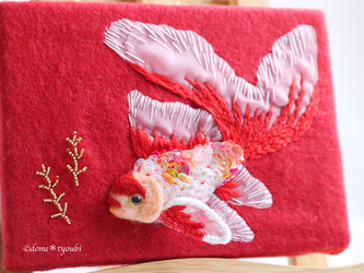 壁で飼えるコメット 夏 金魚 羊毛フェルト アクアリウム 母の日 プレゼント インテリア アートの画像