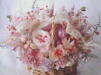 Sweet pinky basketの画像