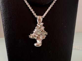 コロンと丸くフクロモモンガのネックレスの画像