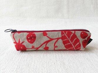 型染め ペンケース「苺の庭」の画像