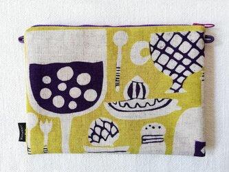 型染め サコッシュポーチM「キッチンの風景」の画像