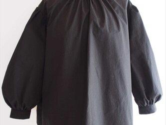 Iris -black blouse-の画像