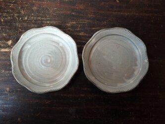 粉引きリム鉢(レース)の画像