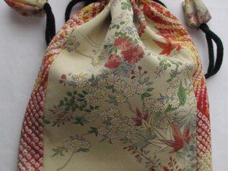 4819 絞りと花柄の着物で作った巾着袋 #送料無料の画像