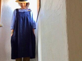 リネン100エプロンワンピース ネイビー おうちファッション 母の日の画像