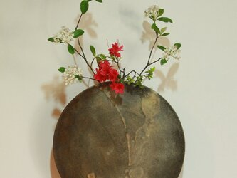 壁掛け丸花器の画像