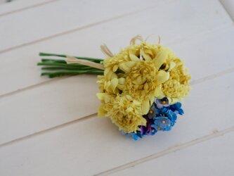 布花 ダンデライオンのコサージュの画像