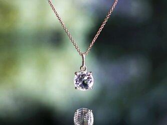 爪留め水晶のブリリアントカットネックレス ~Constanzeの画像