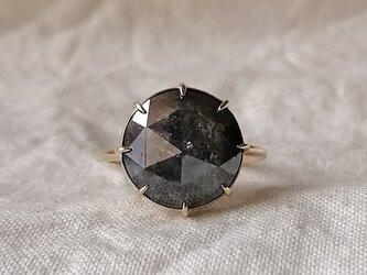 大粒ブラックグレーナチュラルダイヤモンドリングの画像