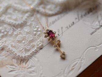 雨雫ルベライトとダイヤモンドのネックレスの画像
