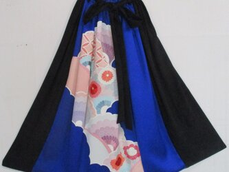 4825 花柄の振袖と黒羽織で作ったスカート #送料無料の画像
