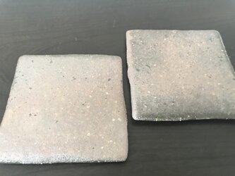 焼締足付き4寸角板皿の画像