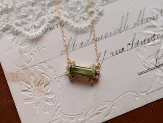 雨雫グリーントルマリンとダイヤモンドのネックレスの画像