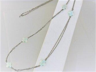 【ロングネックレス】クロスカット白蝶貝5ブルー・銀の画像