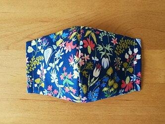 マスク ブルー地にお花いっぱいの画像