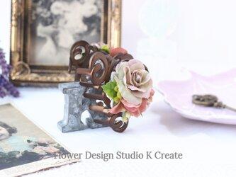 アンティークカラーの薔薇とブルーベリーのバンスクリップ 髪飾り ヘアクリップ くすみピンク バラ お出掛け フォーマルの画像
