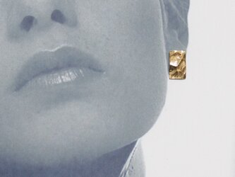 Square texture pierce silver925 gold gp 槌目ゴールドの画像