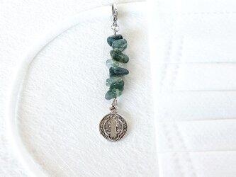 モスアゲートとメダイの天然石チャーム~マスクのアクセサリーやポーチ・バッグにの画像