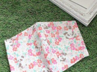 立体マスク かくれパンダ 花柄 ピンク キッズ オトナの画像