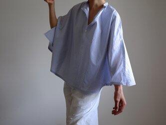 ポンチョ 風 プルオーバーシャツ / L size /コットン ストライプ【白に青】ポンチョなシャツ<受注制作>の画像