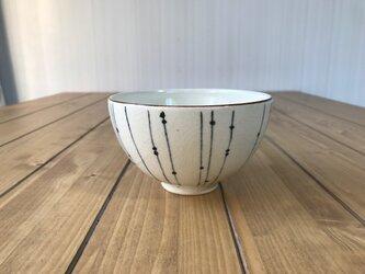 NO.5飯碗(しずく柄)白の画像