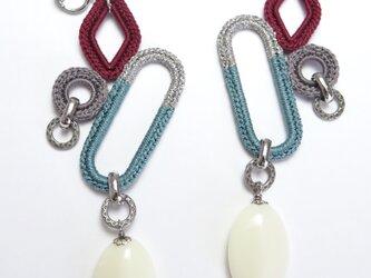 編みシリーズ イタリアンオーバルパーツ(小)とモチーフつなぎのピアスorイヤリングの画像