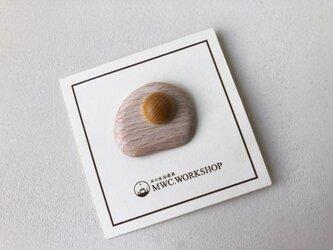 目玉焼きのブローチの画像