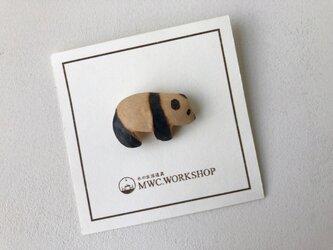 子パンダのブローチの画像