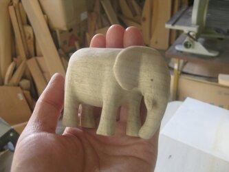 木製彫刻ぞうの画像