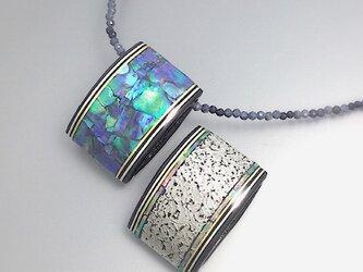 【サファイア】螺鈿とプラチナ箔の両面ペンダント|サファイアチェーンの画像