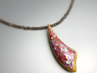 【茶水晶】ピンクの螺鈿と金箔のペンダント|スモーキークオーツチェーンの画像