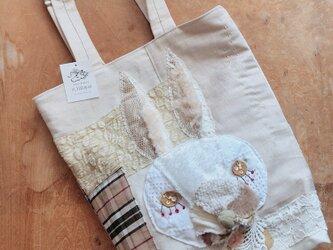 立体うさぎのバッグの画像