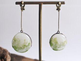 【新緑】揺れイヤリングの画像