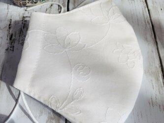 大きめLサイズ立体マスク●白い花の刺繍の画像