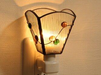 【おうち時間にやすらぐ灯りを】ガラス玉のフットライトの画像