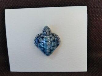 動物石 ピンズ ウミガメ(水色)の画像