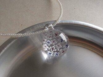 アジサイ・ガラス球ネックレス・チェコビーズ仕立ての画像