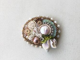 花と石 no.7 ブローチの画像
