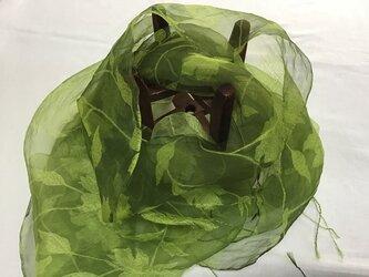 草木染め シルクストール ローズ模様の画像