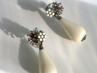 フレンチヴィンテージパーツのイヤリングの画像