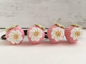 ピンクイチゴあみぐるみヘアゴム/一点売りの画像