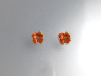 【K18】朱漆塗りの赤い花(6mm)|18金ポストピアスの画像