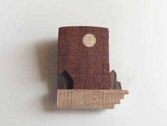 受注制作 木のブローチ 満月の画像